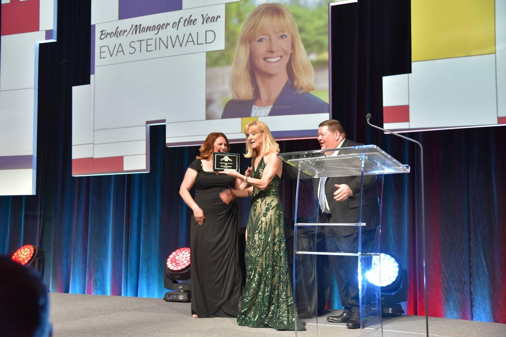 Eva Steinwald Receiving Broker of the Year Award